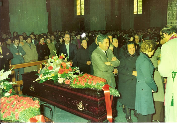 funeral-19760013